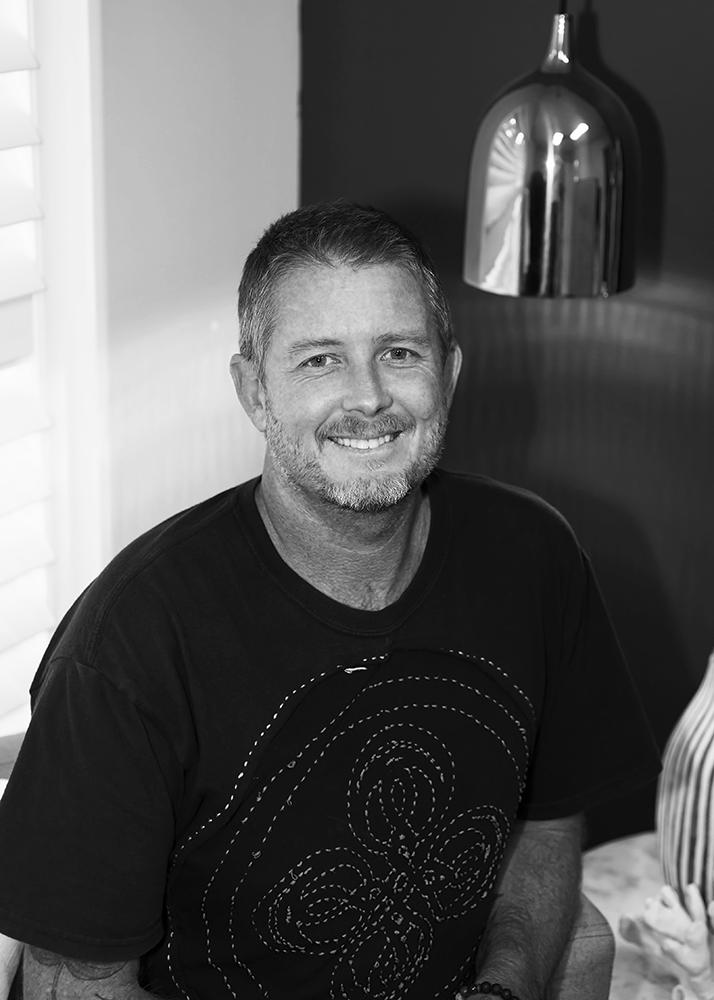 head shot, portrait of paul worsley photographer